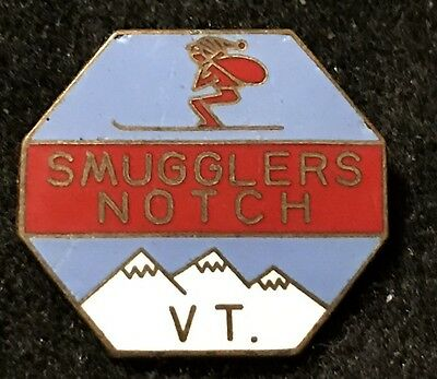 SMUGGLERS NOTCH Vintage Skiing Ski Pin VERMONT VT Resort Souvenir Travel