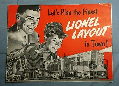 "1954 LIONEL ""LET'S PLAN THE FINEST LIONEL LAYOUT IN TOWN!"" Advertising Booklet"