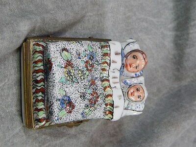 1800's SAMSON & CO FRANCE CHANTILLY Sleeping couple porcelain Box