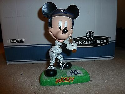 Disney Mickey On Deck New York Bobblehead Hard To Find Rare (SEE Photo's)