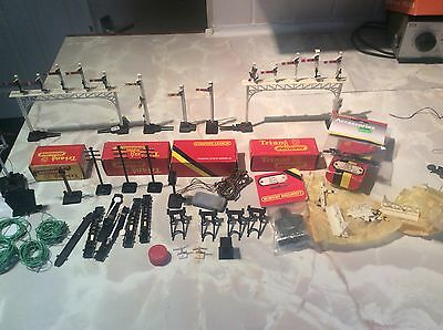oo Gauge Job Lot Of Hornby Signals & Accessories