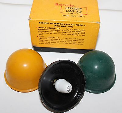 Vintage Model B Brownie Darkroom Lamp Kit  With 2 Cups Yellow & Green