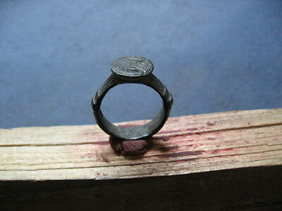 ANCIENT ROMAN BRONZE ENGRAVED FINGER SEAL RING 1-2 ct. AD.