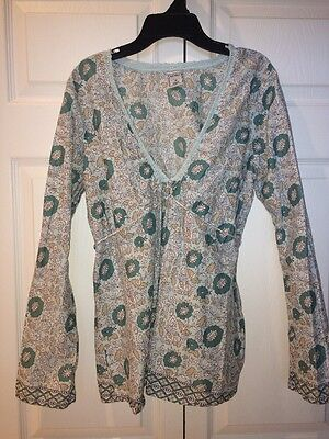 Old Navy Maternity Size Medium Light Weight Floral Blouse