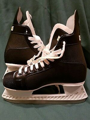 Champion 90 CCM Men's Hockey Ice Skates sz 7