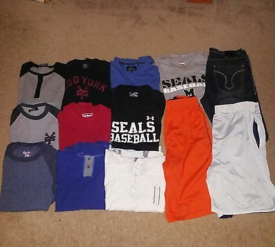 13 Piece Lot of Men's Clothes: Shorts/T-Shirts/Long Sleeve Shirts/Jeans