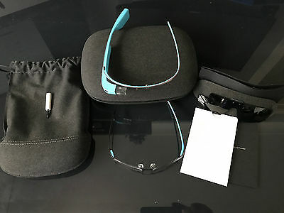 Google Glass Explorer Edition Sky Blue with accessories