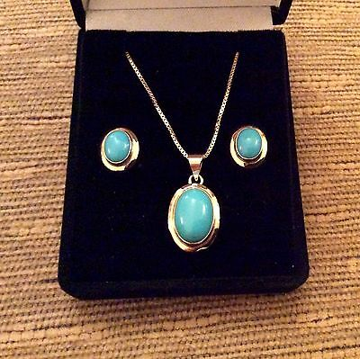 """Lovely 18ct Gold Turquoise Earrings & Pendant Set with 26"""" Chain  ( 11 Grams )"""