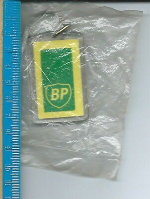 AA-053 - Green River Automotive BP Service Station Gas Key Ring Auburn, WA Vintg