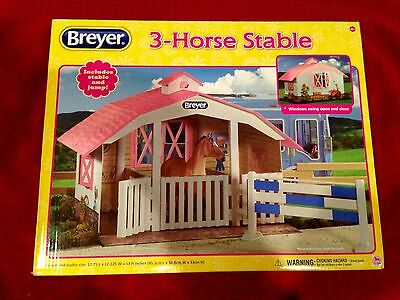 Breyer 3 Horse Stall Playset