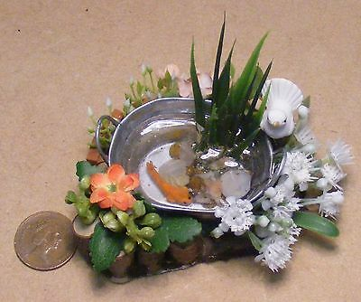 1:12 Metal Oval Tub With A Single Fish Dolls House Miniature Garden Accessory