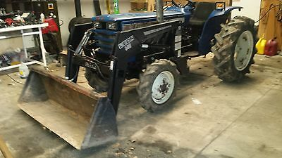 Iseki Tractor  Ts3110D 4X4 With Loader