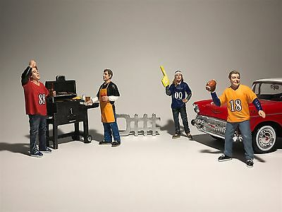 BBQ FRIENDS FIGURINES 1:24 Scale Diorama Model Diecast Toy Car Die-Cast
