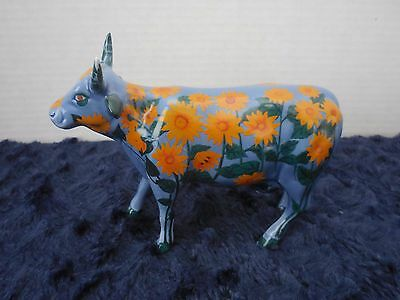 """Cow Parade #9186 """"Moonay's Garden"""" 2001 Retired - Hang Tag/Box - Excellent"""