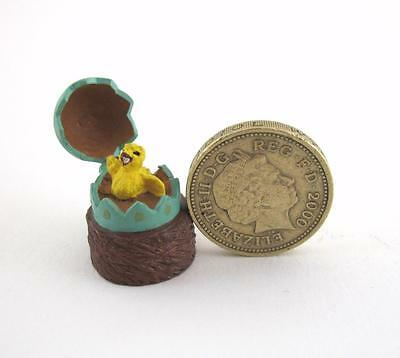 Novelty Miniature Pewter Egg Thimble Opening Top Tiny Chick  MW Made in England