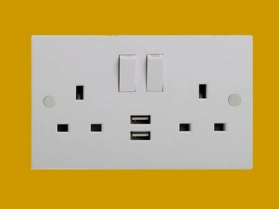 Electrical Plug Double 2 Gang Socket With 2 X Usb (St9902)