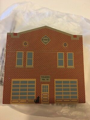 Cat's Meow Toledo No 18 Fire House Fire Fighters Emergency Wood Block