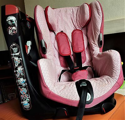 Maxi Cosi Axiss Swivel Child Baby Car Seat in Red