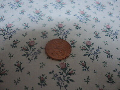 Dollhouse Wallpaper / Pink Floral