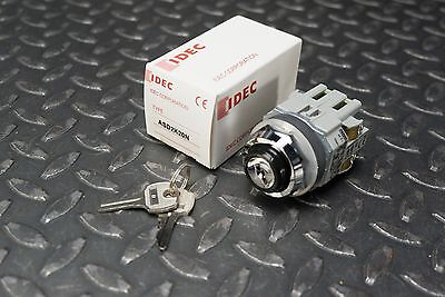 IDEC ASD2K20N Keyed Rotary Switch, 2 Position, 220/600V 8/10A