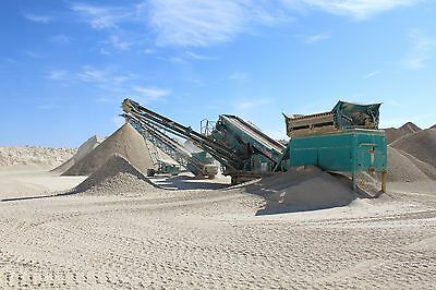 2011 1400S Chieftain Powerscreen and 7436 MGL Radial Stacker/Conveyor