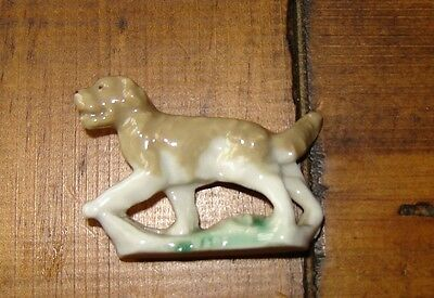 Wade whimsies retriever dog 4cm long and 3.25cm tall