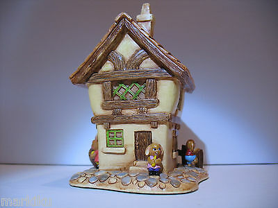 NEW Pendelfin Cobble cottage  figurine rabbit Bunny w/ Box