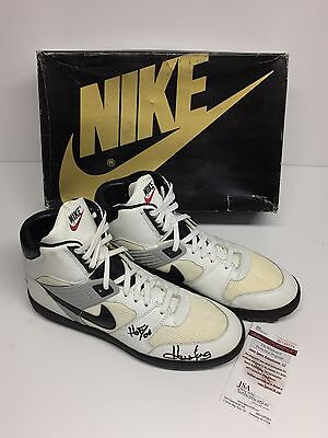 competitive price a07d3 ba4e5 Howie Long Signed Vintage Nike Shark Mesh Stove Football Cleats
