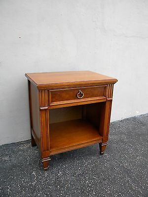 Mid-Century MCM Nightstand End Table Side Table 4076