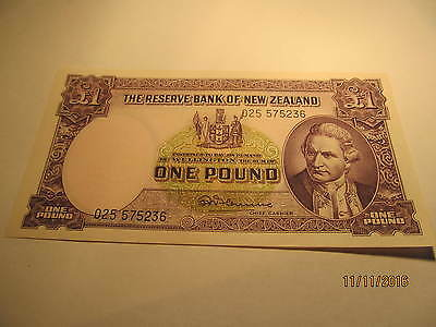 1956-67 One Pound New Zealand, Pick #159C No Security Thread, Uncirculated
