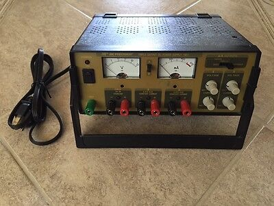 BK Precision Triple Output DC Power Supply 1651 Working