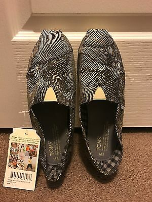 BRAND NEW With tags TOMS Men's Canvas Slip On size 8