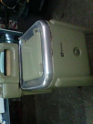 MAYTAG E2LS Avacodo Wringer Washer (Hard to find)