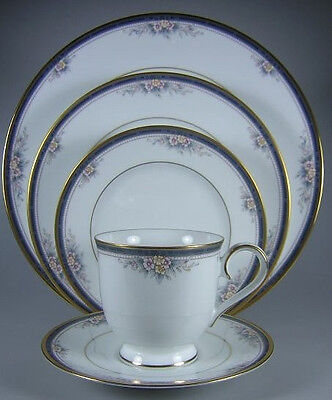 Noritake Ontario- Excellent! Full Set of Fine China- 9 settings + serving pieces