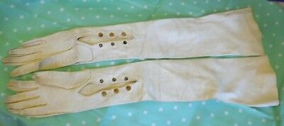 Vintage Gloves Kid Leather White Opera Length Sz 7 Made in France