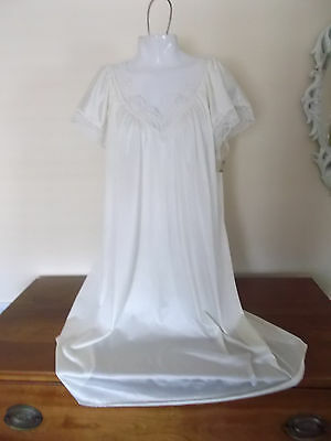 """Buttery Silky Sissy Satiny Nylon Lace Nightgown Lingerie by Val Mode Bust 50"""""""