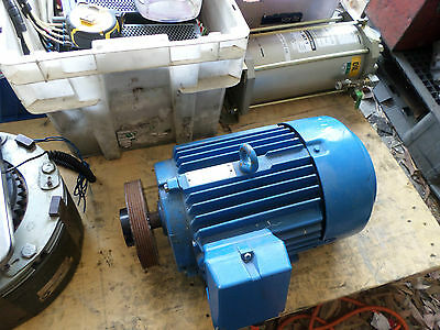 WESTERN ELECTRIC - 3 PHASE ELECTRIC MOTOR - 4Kw -- 5.5HP -- 1440rpm