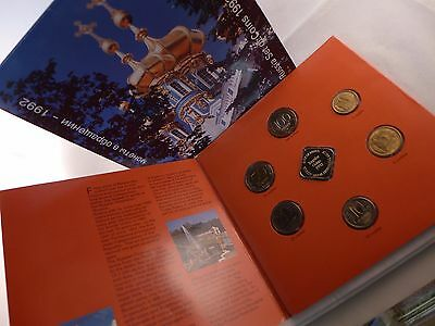 Russia - Mint Set 6 Unc Coins: 1 - 100 Roubles 1992 Year In Folder + Medal