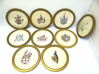 Lot Gold Color Circular Framed Hand Painted Coat of Arms Medieval Portraits Art
