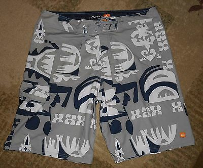 Mens size 36 Quik Silver Swim Shorts/Trunks Board shorts