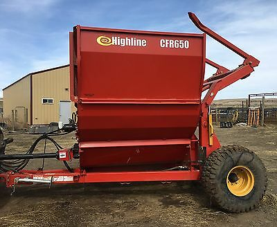 2012 Highline Feed Wagon/Mixer