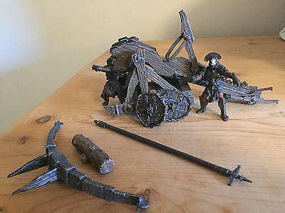 Lord of the Rings Catapult with 2 figures