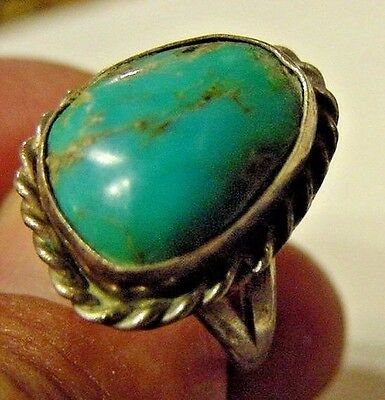 Native American Old Pawn Sterling Silver And  Turquoise Stone  Ring {Zz}