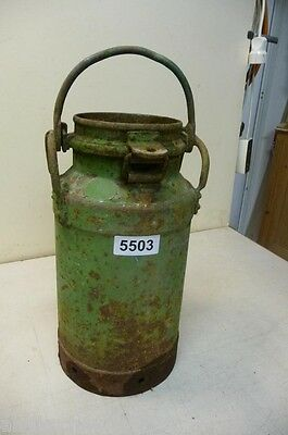 5503. Alte Milchkanne Eisen Old milk can