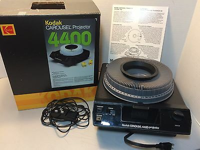 Kodak Carousel 4400 With Wired Remote-Original Box-140 Slide Tray