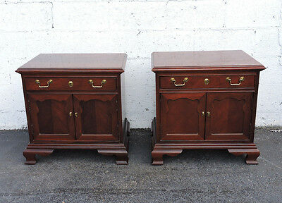 Pair of Chippendale Mahogany Nightstands by Thomasville 7754