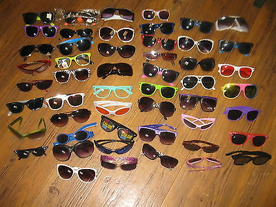mixed lot of Womans Mens Childrens sunglasses preowned lot of 50 pairs GLASSES