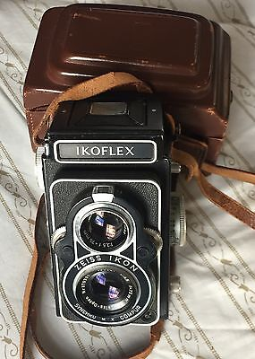 Zeiss Ikoflex MF TLR camera with case