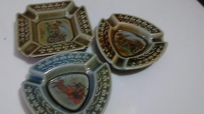Wade Decorative 3 Ashtrays Irish Porcelain Horse Jaunting Car Shamrocks, Ireland