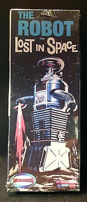 THE ROBOT Lost in Space MOEBIUS NEW and FREE SHIPPING